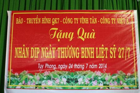 Mỹ phẩm Vĩnh Tân tặng quà cho cựu chiến binh Tỉnh Bình Thuận